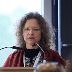 Dr. Silke Karcher